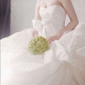 Vera Wang - WHITE - Wedding Dress